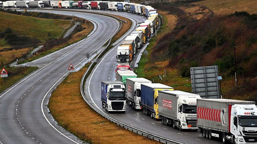 El Brexit ahoga a los transportistas: esperas de 10 horas y menos rentabilidad