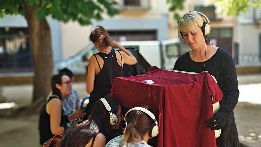 'Mamut', el Festival de Teatro en Miniatura de Zamora: arte que cabe en el bolsillo