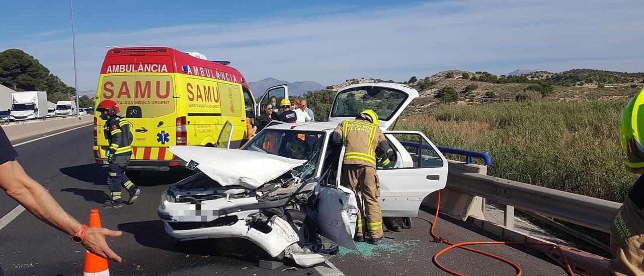Imagen de la asistencia en uno de los accidentes ocurridos en Alicante.