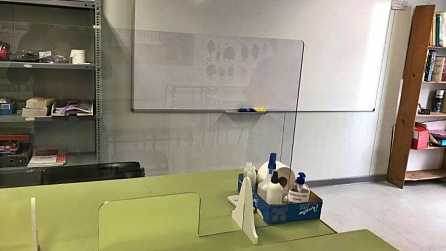 Sedaví instala paneles en la EPA para el profesorado