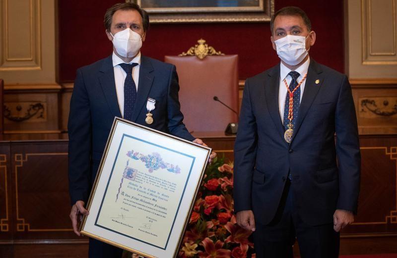 Entrega de la medalla de oro al mérito deportivo a Felipe Miñambres