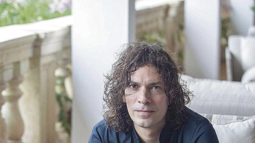 """Pierre Ducrozet: """"La literatura  no tiene un mensaje claro, es el arte de los matices"""""""