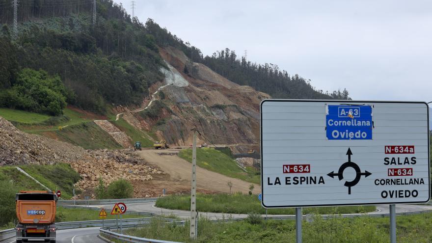 El Ministerio comienza las obras para habilitar un desvío provisional de la N-634 tras el argayo de Salas
