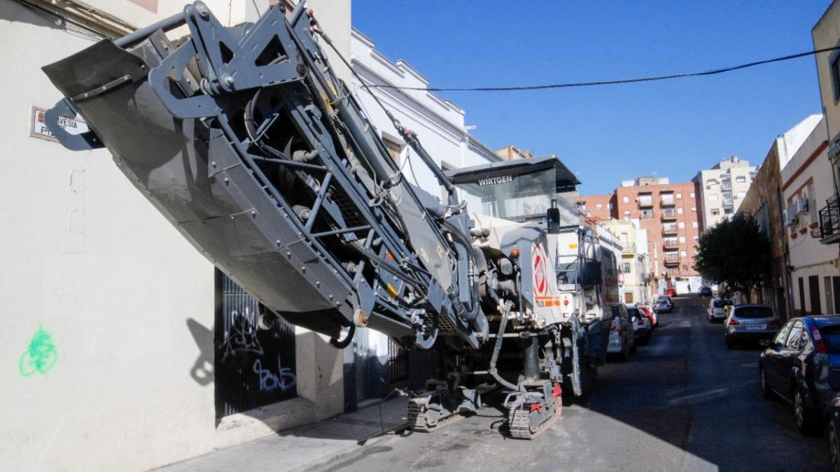 Las obras de asfaltado llegan a la travesía de Pizarro