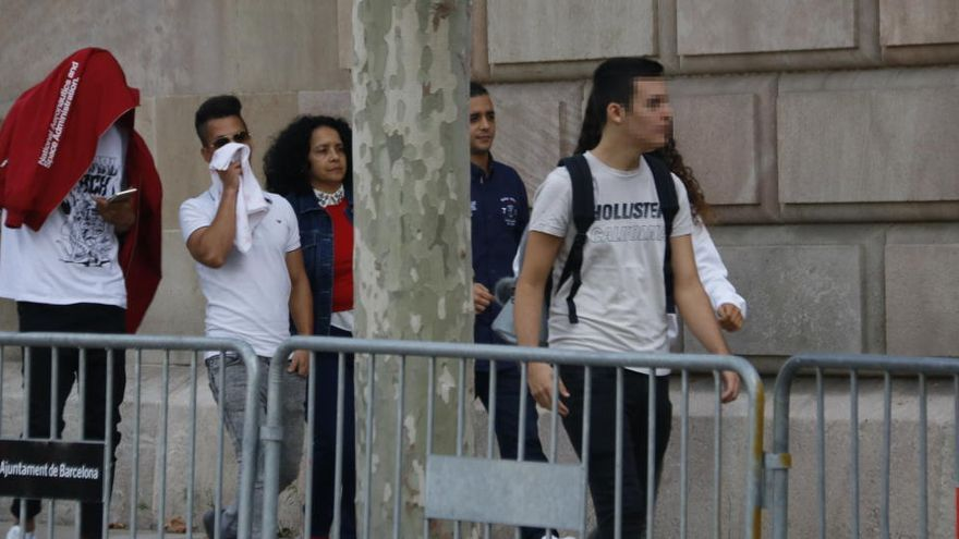 El TSJC manté la suspensió de l'ingrés a presó de tres dels condemnats per la violació en grup de Manresa