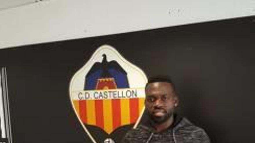 Clyde Essomba refuerza la medular del Castellón