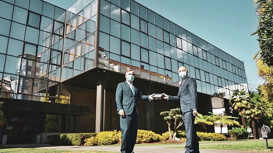 Zona Franca firma la compra del antiguo centro informático de Caixanova a Abanca