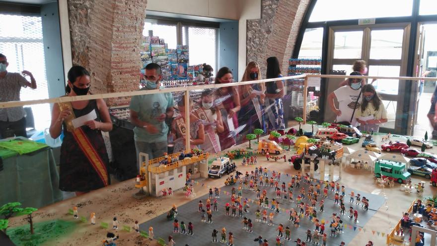 Los famosos muñecos de Playmobil ayudan a luchar contra una grave enfermedad en Castellón