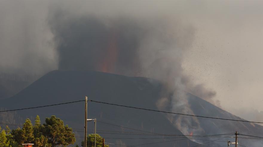 La lava cubre ya 212 hectáreas en La Palma y destruye 461 edificaciones