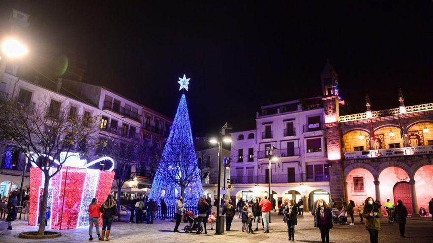 Plasencia encenderá su iluminación navideña, íntegramente con luces led, el 2 de diciembre