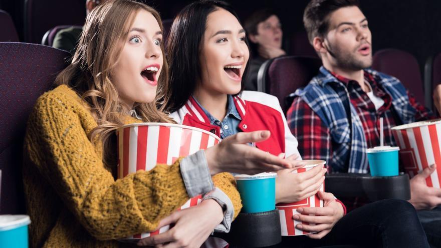 Los cines de EEUU no exigirán mascarilla a los vacunados