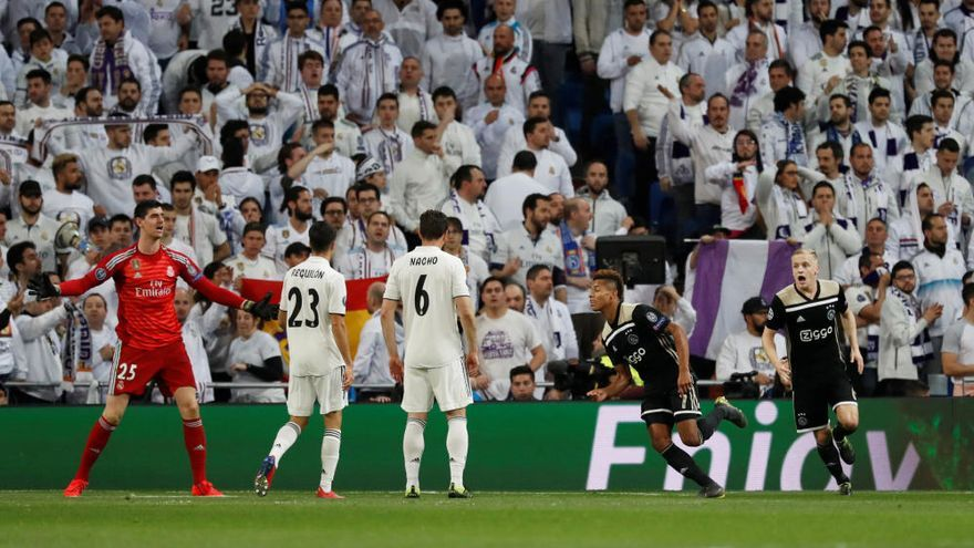Un atrevit Ajax destrona un Madrid en liquidació