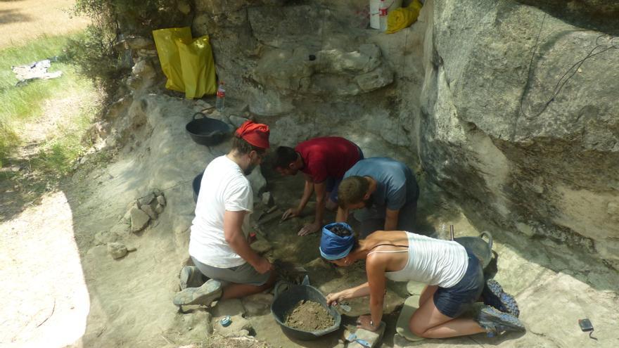 Concluyen las excavaciones arqueológicas en abrigos prehistóricos de las Altas Cinco Villas