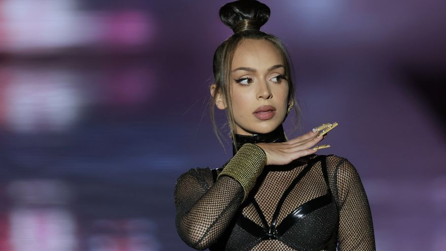 La cantante Bad Gyal debuta como modelo en la Semana de la Moda de Madrid