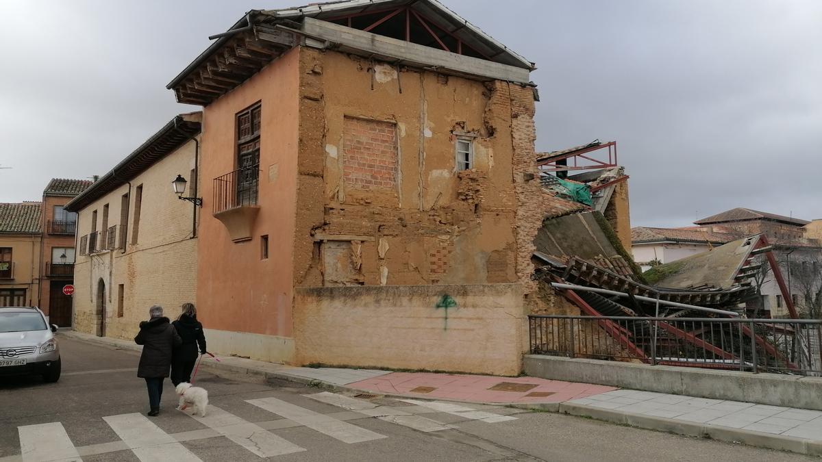 Zona del palacio de Bustamante de Toro afectada por el derrumbe parcial