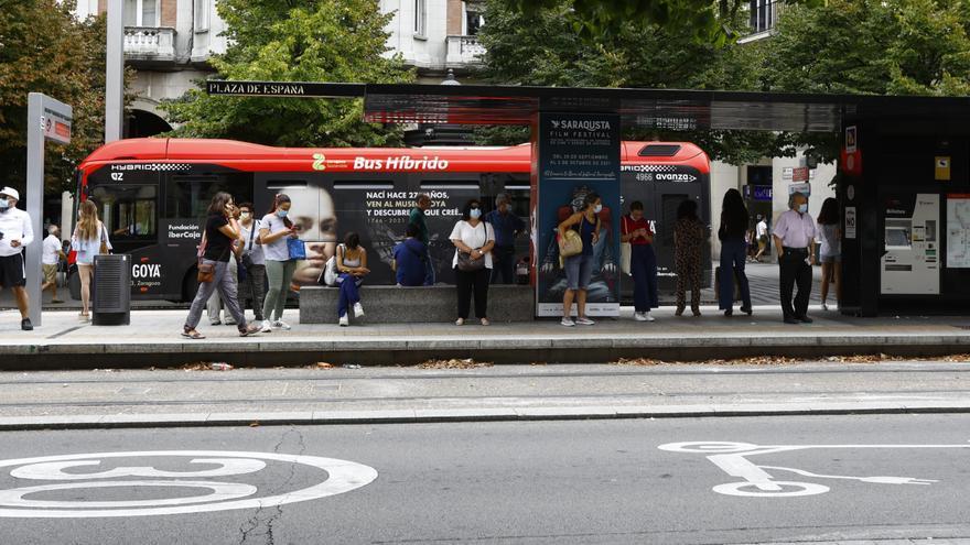 Pequeños trastornos en la huelga conjunta de autobuses y tranvías en Zaragoza