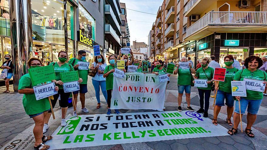Protesta de las «Kellys» en Benidorm por un mejor convenio en la hostelería