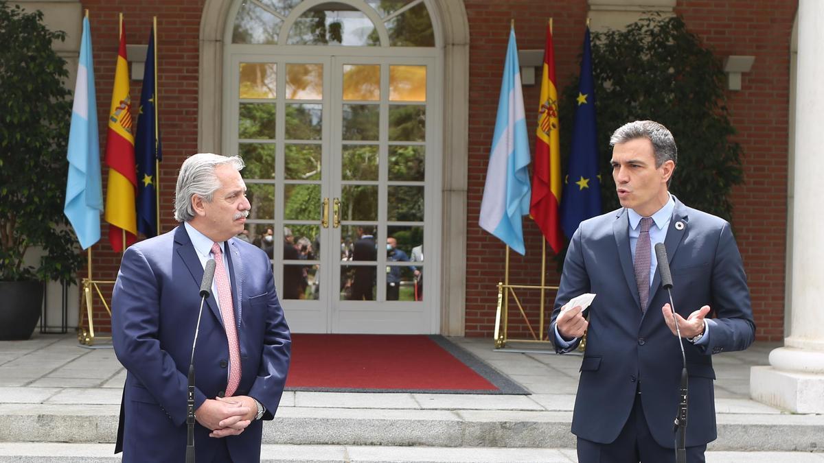 El presidente de la República Argentina, Alberto Fernández, y el presidente del Gobierno, Pedro Sánchez.