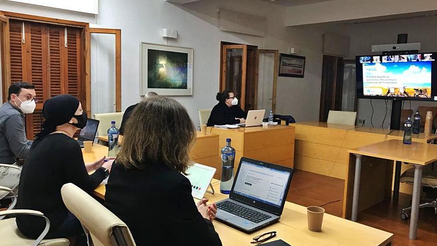 La PIME se abstiene en  la regulación  de coches de Formentera