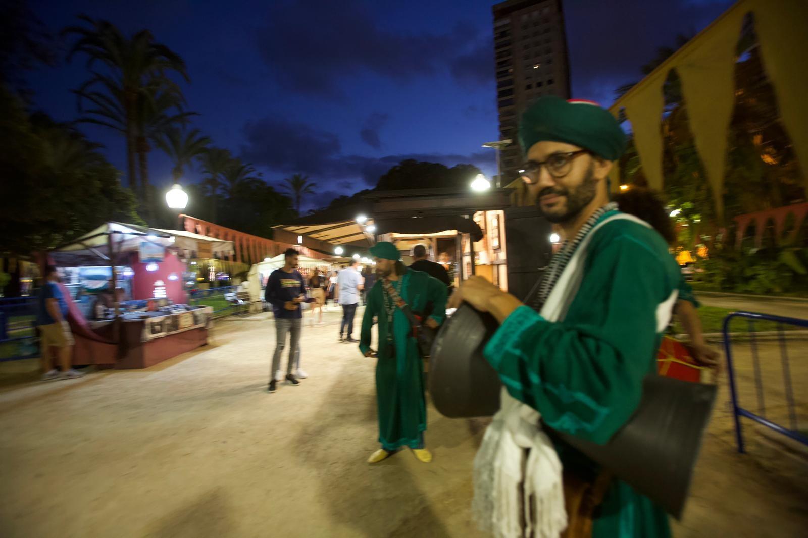 Mercadillo medieval y de artesanía de la Federación Alicantina de Moros y Cristianos