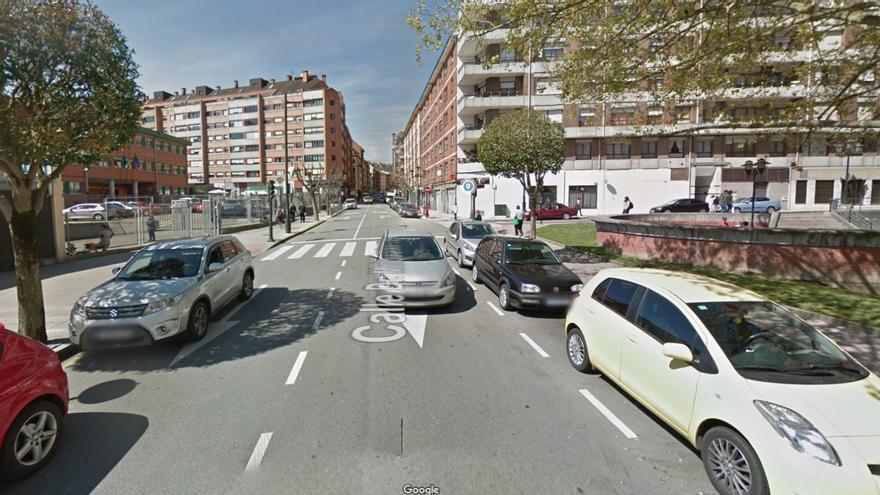 """El atropello de un trabajador pone a Pumarín en alerta: """"El barrio no es seguro"""""""