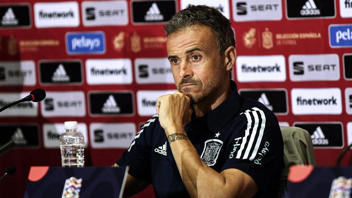Luis Enrique ha citado a cuatro futbolistas que estaban de vacaciones.