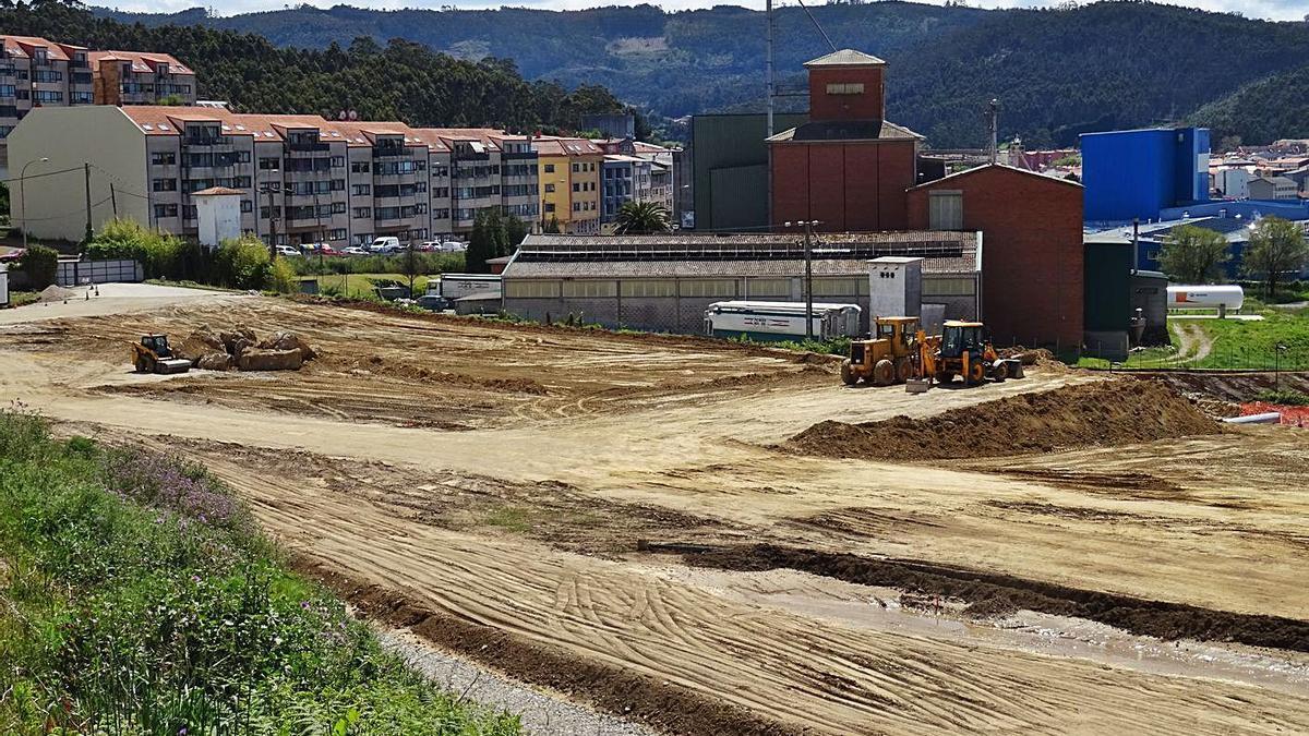 Antigua parcela de Gabesa, que ahora es propiedad de Inditex, en el día de ayer.   | // LA OPINIÓN