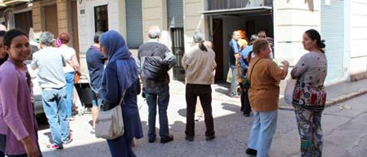 Cáritas auxilia a casi 200 menores y a 50 familias más que en 2012 en Xàtiva