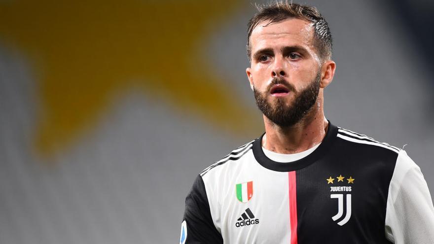 El Barça intercanvia Arthur per Pjanic amb la Juventus