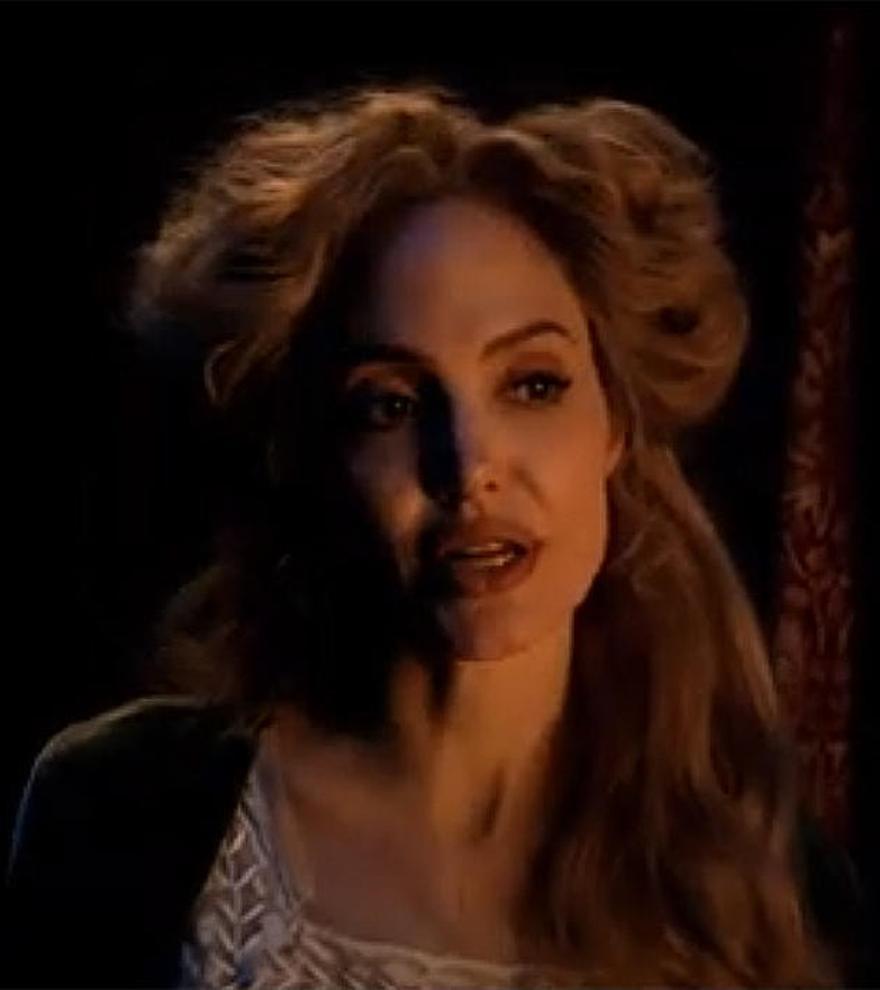 Angelina Jolie lidera una cartelera con terror, fantasía y amor