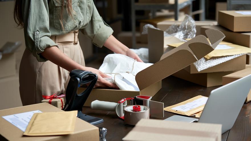 Las ventas del comercio minorista moderan su crecimiento en mayo hasta el 18,8%