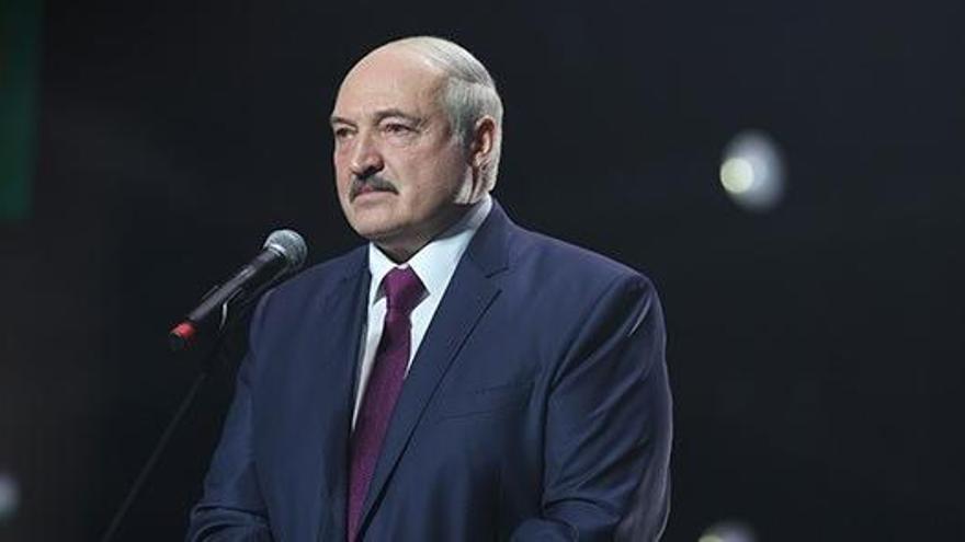 Lukashenko, investido para su sexto mandato en una ceremonia no anunciada
