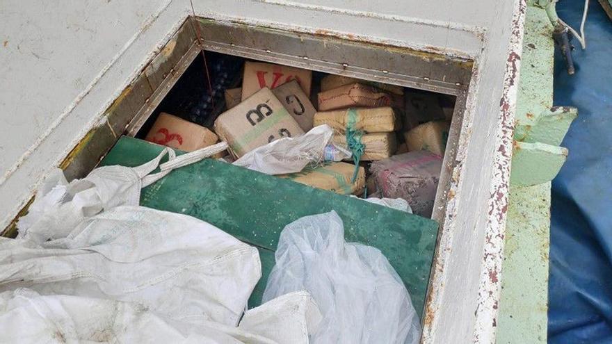 Abordan cerca de Canarias un pesquero con 15 toneladas de hachís investigado desde Galicia