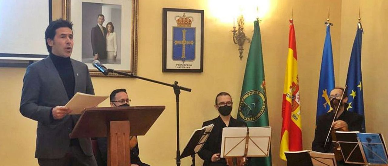 Miguel Carrizo, ayer, durante la lectura del pregón. | M. A.