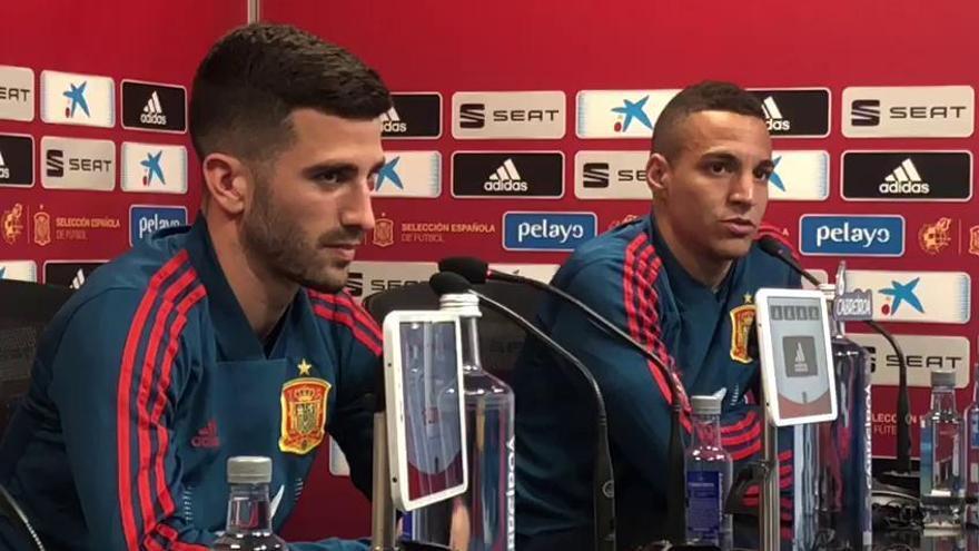 Gayà y Rodrigo hablan antes del España - Noruega