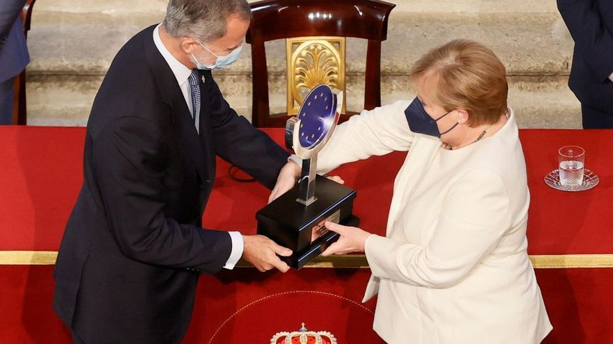 Angela Merkel recibe el XIV Premio Europeo Carlos V