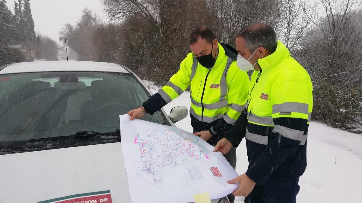 Francisco Requejo supervisa el despliegue del plan de vialidad invernal de la Diputación.