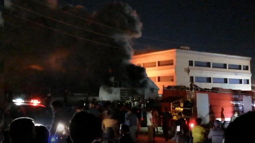 Al menos 60 personas fallecen en un incendio en un hospital iraquí