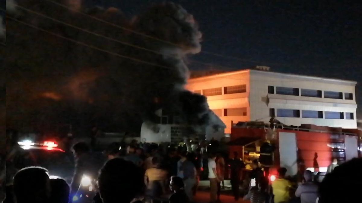 Incendio en el Hospital Universitario de Al Huseín, en Nasiriya, Irak.