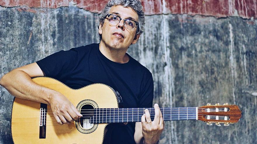 Pedro Guerra prepara una gira por Canarias con el Festival Mar Abierto 2021