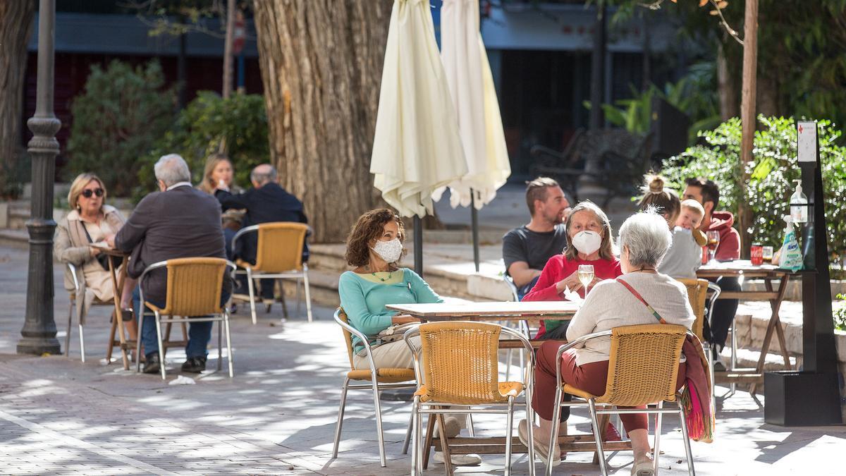El horario de bares y restaurantes de Alicante, Valencia y Castellón para este fin de semana.