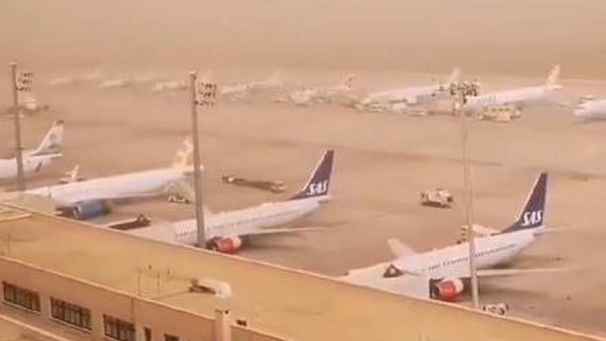 El aeropuerto de Gran Canaria suspende todas las operaciones