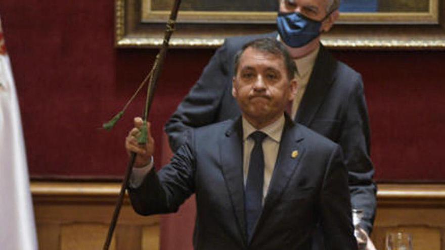 CC recupera la alcaldía de Santa Cruz  tras la moción de censura contra el PSOE