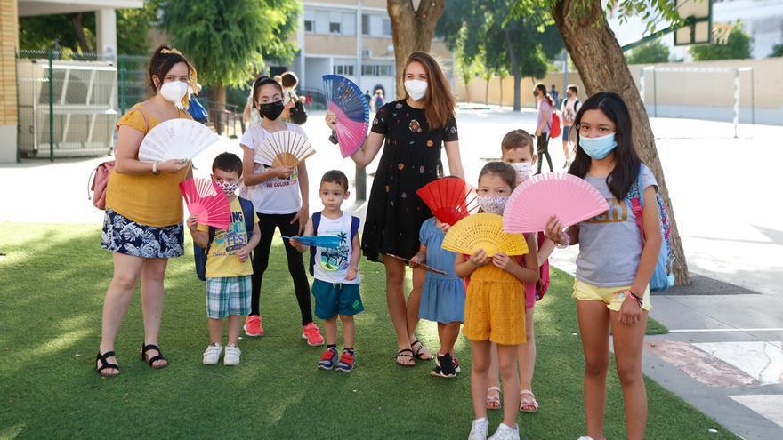 Protesta en colegios cordobeses por la falta de aire acondicionado