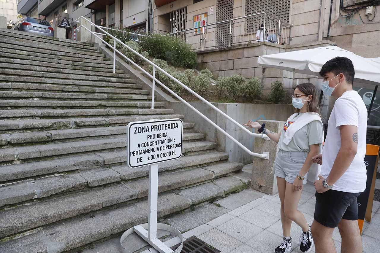 Los jóvenes se encontraron señales de prohibiciones en Joaquín Loriga.   P. Hernández (2).jpg