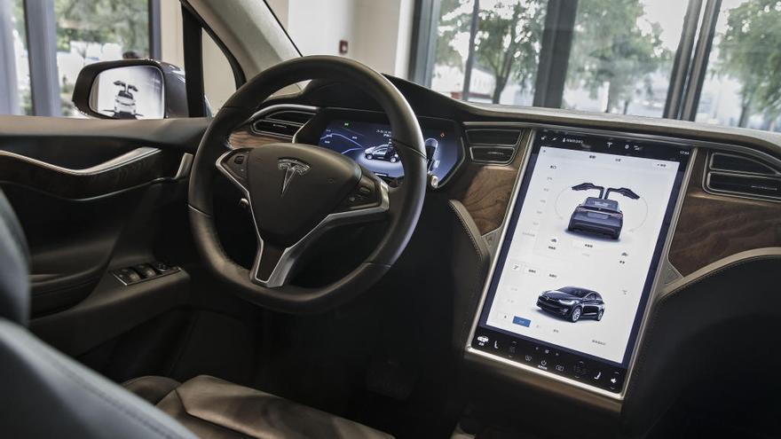 Tesla inaugura a l'Hospitalet la seva primera botiga física a l'estat