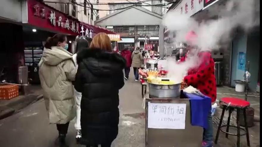 Wuhan vuelve a la normalidad casi un año después del primer caso de COVID