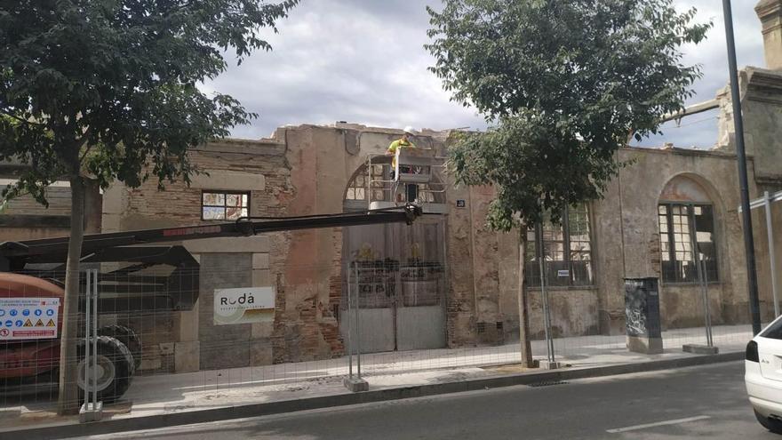 Eviten el perill de col·lapse de la fàbrica Talco Cusí de Figueres