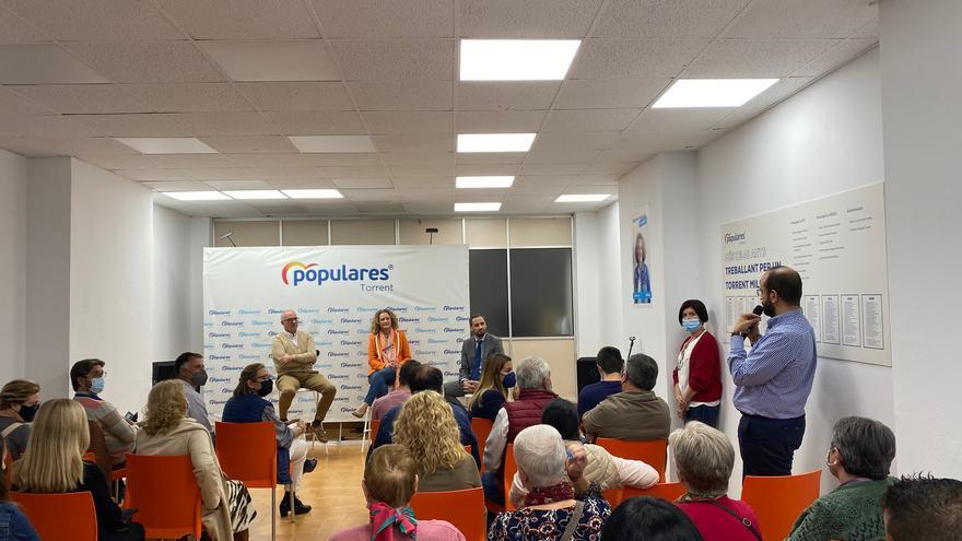 Fernando de Rosa inicia el ciclo de formación a los afiliados del PP de Torrent