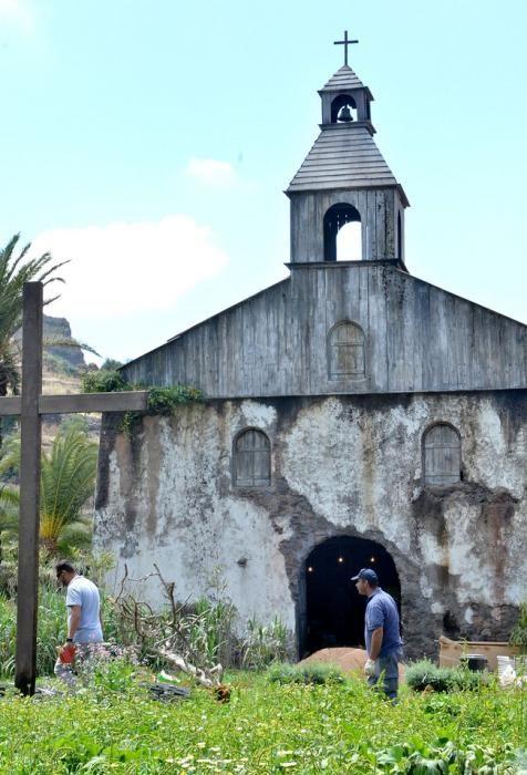 Preparativos del rodaje 'Los ultimos de Filipinas' en el casco de Santa Lucía.
